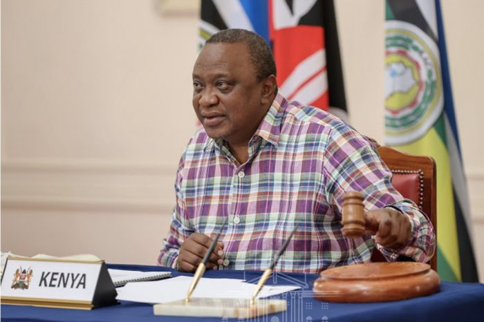 Uhuru takes over chairmanship of EAC from President Kagame, lift visa restrictions on S. Sudan