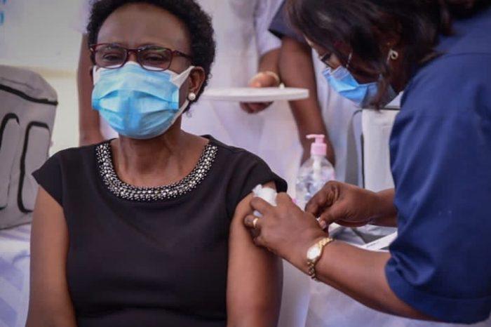 Ugandan minister's vaccine re-enactment sparks false claims
