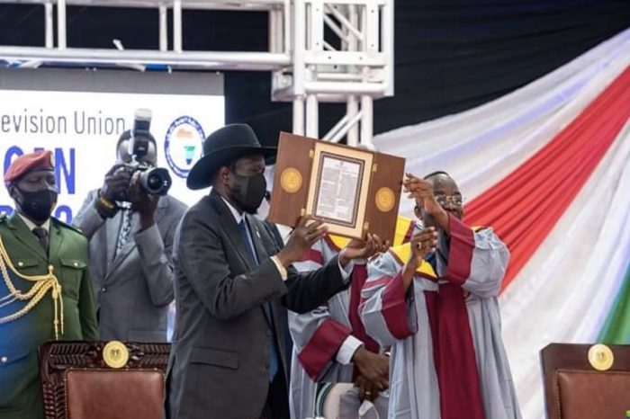 KIIR AWARDED PEACE PRIZE UNDER HEAVY SECURITY FOR NEGOTIATING SUDANESE DEAL