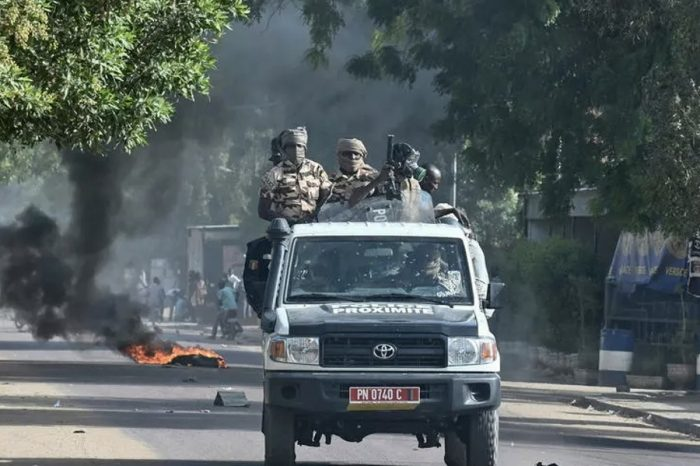 Chad army in fresh clashes with rebels, hundreds quizzed over protests