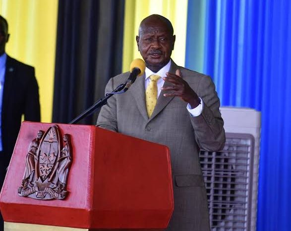 Tanzanian president arrives in Uganda for signing of key oil pipeline deal