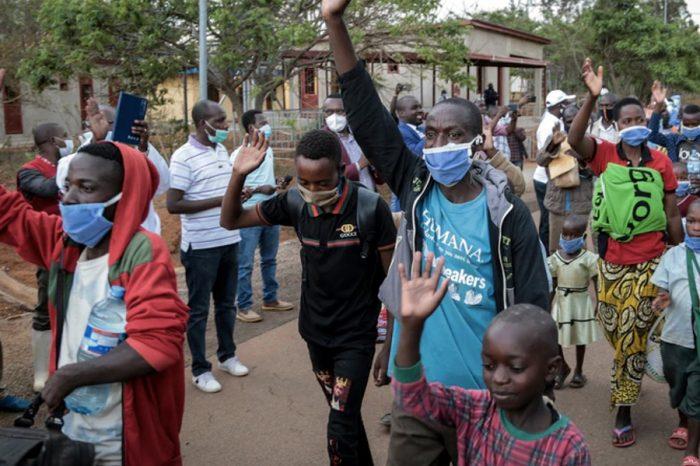 Rwandans return from Burundi after UN slashes food aid