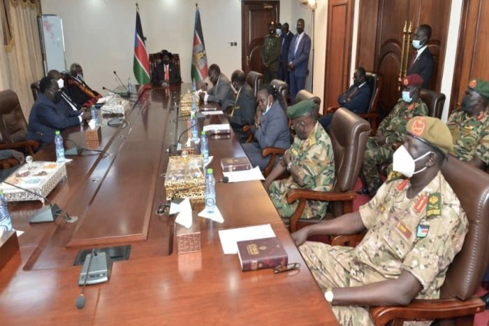 Kiir presides over the swearing-in of S. Sudan's new army chief, presidential minister