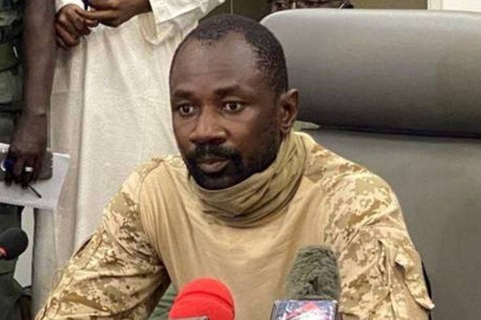 Assault on Mali's interim leader with a knife