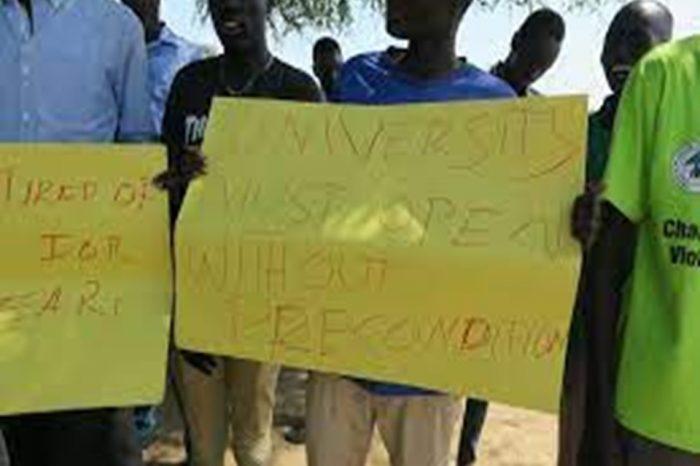 Gov't failed to reopen Dr. John Garang University, students back on the street in protest.