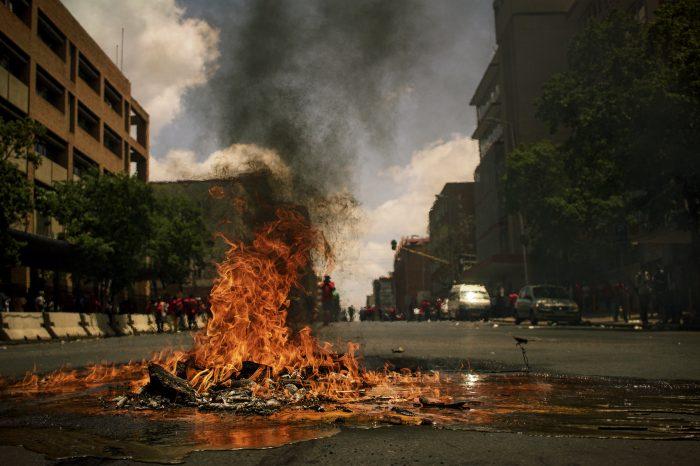 Sudanese protestors block South Sudanese oilfield chemicals