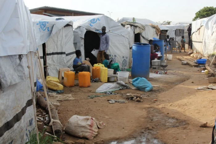Juba POC: Civilians turn to UNMISS for help since the gov't is inactive.